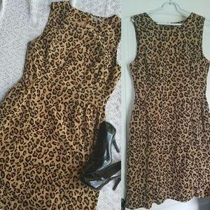 Gap leapord print dress